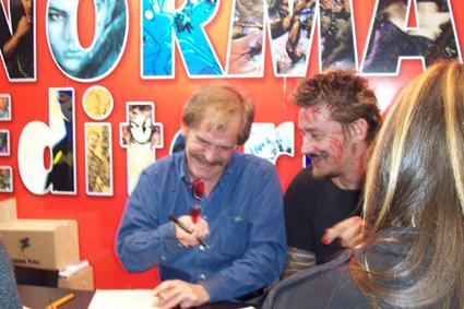 Carlos Ezquerra y un pintarrajeado Simon Bisley
